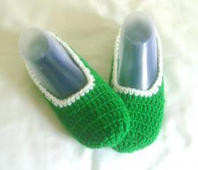 Unisex slippers green white wool slippers crochet slippers woman slippers home shoes cosy slippers man slippers